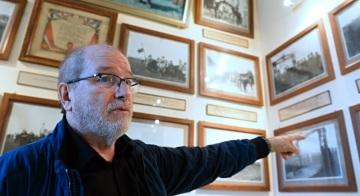 Místostarosta francouzského městečka Darney Régis Bergeri ukazoval 21. září 2018 v místním muzeu expozici, která připomíná přítomnost československých legionářů před sto lety. Pobyt 6000 československých legionářů, příslušníků 21. a 22. střeleckého pluku, si městečko s více než tisíci obyvateli připomíná dodnes. Muzeum v zámku patří městu, výrazně se o jeho existenci na konci 30. let zasadil někdejší starosta André Barbier.