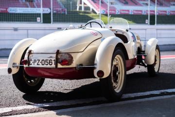 Závodní vůz Aero Minor Sport (na snímku pořízeném 5. října 2018 na mosteckém autodromu) se opět chystá na závod v Le Mans, tentokrát ovšem v kategorii historických vozů. Legendární automobil se čtyřiadvacetihodinovky v Le Mans účastnil v roce 1949, kdy skončil ve své kategorii první. Spolek Le Mans Redux chce legendu vzkřísit a zcela opravit, aby se mohla v roce 2020 znovu vypravit na prestižní trať jihovýchodně od Paříže. ČTK to za spolek sdělil Michal Froněk.