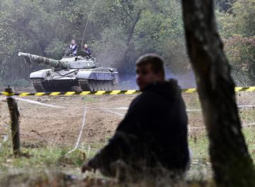 Vývojáři počítačových her z české společnosti Bohemia Interactive Studio předvedli 19. října 2018 v Mníšku pod Brdy sovětský tank T-72, kterým testují reálný pohyb bojových strojů. Poznatky z jízdy tankem využijí při vývoji válečného simulátoru Arma 3.