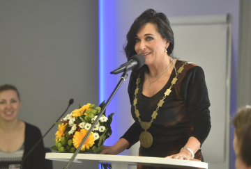 Nová primátorka Třince Věra Palkovská z uskupení Osobnosti pro Třinec hovoří na ustavujícím zasedání zastupitelstva, na kterém bylo 1. listopadu 2018 zvoleno nové vedení města.