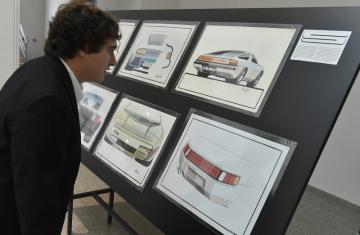 Moravská galerie v Brně představila 1. listopadu 2018 výstavu Jiřího Kuhnerta Sketch the Dream. Brněnský designér, jenž žil v letech 1941 až 1979, pracoval například na návrzích pro automobilku Porsche. Na snímku jsou kreslené návrhy automobilu Porsche 928, na jehož podobě se Kuhnert podílel.
