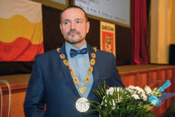 Zastupitelé Děčína zvolili 5. listopadu 2018 na ustavujícím zasedání primátorem Jaroslava Hroudu z ANO.