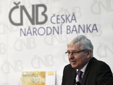 Guvernér České národní banky Jiří Rusnok vystoupil 6. listopadu 2018 v Praze na tiskové konferenci k představení doprovodných akcí k výročí československé koruny.