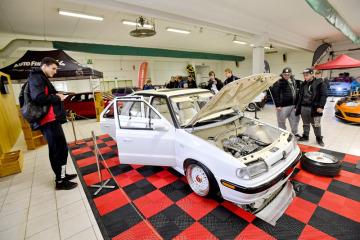 Přehlídka upravených vozů Tuning show je součástí výstavy automobilů, motocyklů a jejich příslušenství Autosalon Kola 2018, která začala 9. listopadu 2018 na výstavišti v Lysé nad Labem na Nymbursku.
