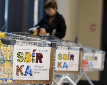 Ve více než 660 prodejnách po celé České republice se uskutečnila Národní potravinová sbírka. Na snímku z 10. listopadu 2018 je prodejna Lidl v Praze 4.