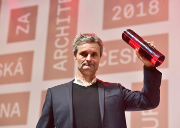 Výsledky třetího ročníku České ceny za architekturu byly vyhlášeny 19. listopadu 2018 v Praze. Hlavní cenu převzal David Levačka Kraus za návrh novostavby administrativní budovy ve Strančicích.