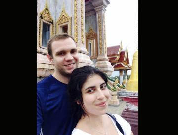 Britský doktorand Matthew Hedges (na archivním snímku se svou manželkou Danielou Tejadaovou), který byl ve Spojených arabských emirátech odsouzen za špionáž na doživotí.