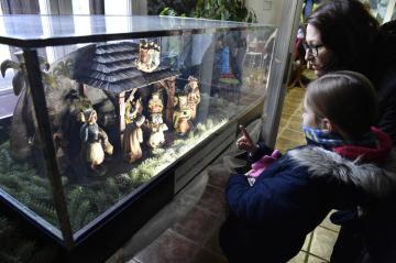 Při adventních dílnách ve zlínské zoologické zahradě byl 25. listopadu 2018 poprvé vystaven historický betlém ze sbírek tamního zámku Lešná, který byl náhodou objeven. Jde zřejmě o dílo lidového umělce z počátku 20. století.