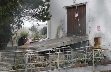 Šest lidí zahynulo a dalších 120 utrpělo zranění v davové panice, která vypukla mezi návštěvníky nočního klubu (snímky) u italského přístavu Ancona.
