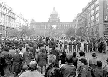 """""""Protisocialistická demonstrace"""" v Praze."""