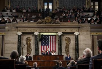 Americký prezident Donald Trump přednáší v Kongresu poselství o stavu unie.