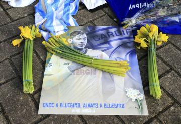 Fotografie fotbalisty Cardiffu Emiliana Saly, který zahynul při nehodě letadla.