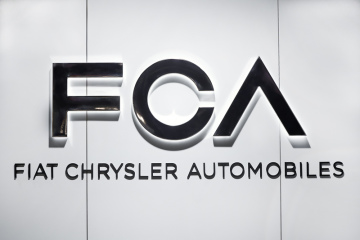 Logo automobilky Fiat Chrysler Automobiles.