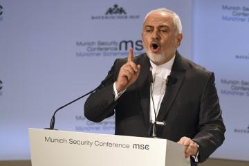Íránský ministr zahraničí Mohammad Džavád Zaríf během projevu na bezpečnostní konferenci v Mnichově.