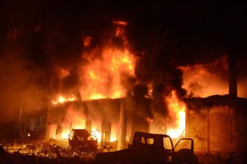 Požár jednoho z domů v bangladéšské metropoli Dháce.