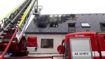 Při požáru azylového domu pro matky či otce s dětmi v Dalově u Šternberka na Olomoucku 21. února 2019 odpoledne zemřel jeden člověk a další byl zraněn.