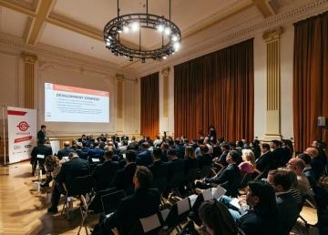 """Konference na téma """"Railway Infrastructure in Central and Eastern Europe"""" vČeské národní bance."""