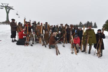 Několik desítek lyžařů se 16. března 2019 zúčastnilo 29. ročníku telemarkového závodu na Božím Daru.