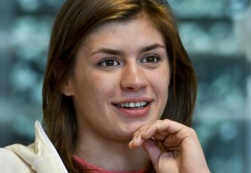 Zápasnice Adéla Hanzlíčková vystoupila 4. dubna 2019 v Praze na tiskové konferenci Svazu zápasu ČR před evropským šampionátem mužů a žen, který začíná 8. dubna v Rumunsku.