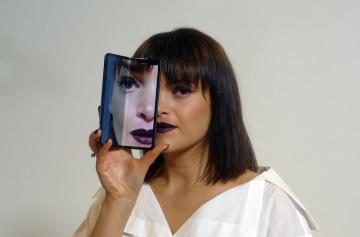 Ohebný smartphone Samsung Galaxy Fold.