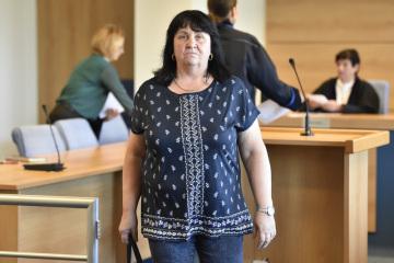 Krajský soud ve Zlíně vynesl 18. dubna 2019 rozsudek v případu krádeže pohonných hmot ze skladu společnosti Čepro v Loukově na Kroměřížsku. Na snímku je obžalovaná Blanka Žeravíková.