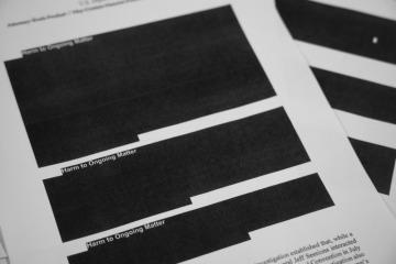 Částečně začerněná práva zvláštního vyšetřovatele Roberta Muellera, který se zabýval ruskou rolí v amerických prezidentských volbách v roce 2016.