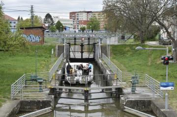 Připojení ve vodním městě ny