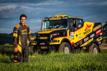 Automobilový závodník Martin Macík mladší (na snímku) by se měl příští rok na start Rallye Dakar postavit s kamionem značky Iveco. Podobu nového speciálu, který pojmenoval Karel, oficiálně představil 14. května 2019 a hned se s týmem vydal na testování do Afriky.