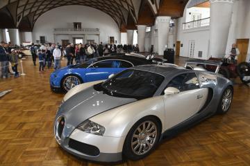Přehlídka moderních i historických automobilů Legendy byla zahájena 17. května 2019 na pražském Výstavišti v Holešovicích.