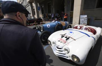 Třináctý ročník srazu a výstavy historických vozidel se konal 25. května 2019 v Praze. Na snímku je automobil Škoda Sport z roku 1949.