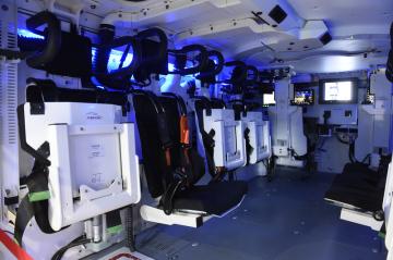 Na brněnském výstavišti pokračovaly 30. května 2019 veletrh obranné a bezpečnostní techniky IDET, veletrh bezpečnostní techniky a služeb ISET a veletrh požární techniky a služeb PYROS. Na snímku je interiér bojového vozidla pěchoty ASCOD 2 na stánku společnosti General Dynamics European Land Systems.