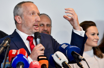 Bývalý poslanec ODS Václav Klaus mladší (vlevo) představil 10. června 2019 v Praze svou novou politickou stranu Trikolóra - hnutí občanů.