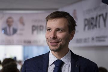 Pirátský europoslanec Marcel Kolaja (na archivním snímku z 26. května 2019).