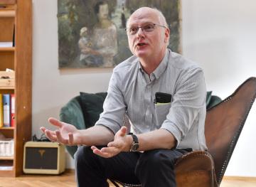 Sinolog Gerry Groot z univerzity v australském Adelaide poskytl v Praze rozhovor ČTK.
