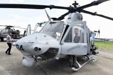 Americký víceúčelový vrtulník UH-1Y Venom zvaný Yankee od firmy Bell na snímku z 15. září 2018 na Dnech NATO a Dnech Vzdušných sil Armády ČR v Mošnově u Ostravy.