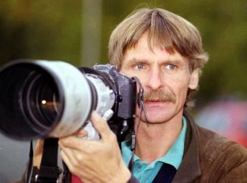 Fotoreportér pražské pobočky agentury Reuters Petr Josek (na archivním snímku z července 1997).