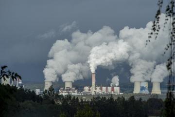Polská elektrárna Turów na snímku pořízeném 10. října 2019 v Uhelné u Hrádku nad Nisou na Liberecku.