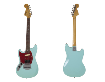 Elektrická kytara Fender Mustang, kterou Kurt Cobain používal během turné k albu In Utero.