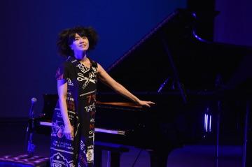 Japonská pianistka a skladatelka Hiromi vystoupila 3. listopadu 2019 v Janáčkově divadle v Brně v rámci JazzFestu Brno.
