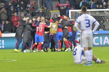 Utkání skupiny A kvalifikace fotbalového mistrovství Evropy 2020: ČR - Kosovo, 14. listopadu 2019 v Plzni. Hráči ČR se radují z výhry.