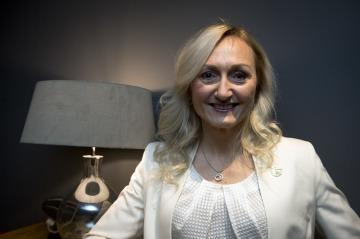 Prezidenstka ČMAPM Kateřina Haring vystoupila 27. listopadu 2019 v Praze na tiskové konferenci Českomoravské asociace podnikatelek a manažerek na téma Podnikání žen v České republice.