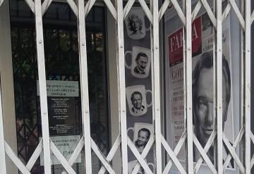 Policisté z odboru extremismu a terorismu 9. června 2020 zasahovali v pražském obchodě nakladatelství Naše vojsko.