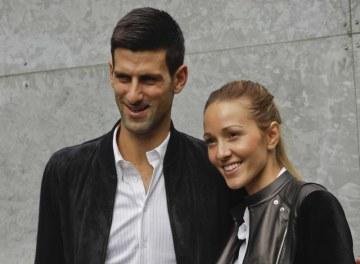 Srbský tenista Novak Djokovič a jeho maželka Jelena na snímku z 23. září 2016.