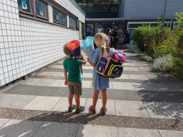 Kornouty, kterým Němci říkají školní či cukrové, jsou neodmyslitelným doplňkem prvňáčků, kteří se vydali 15. srpna 2020 poprvé do berlínských základních škol.