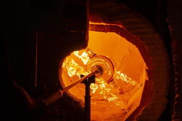 Výroba cen Thálie pro divadelní umělce pokračovala 26. srpna 2020 ve sklárně společnosti Lasvit Ajeto v Lindavě na Českolipsku. Jedna z cen ve tvaru benátské masky bude letos poprvé vyrobena z uranového skla.