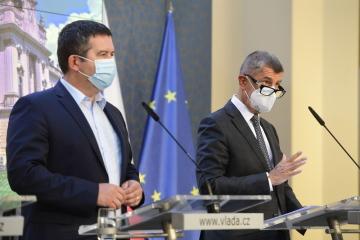 Ilustrační foto - Premiér Andrej Babiš (vpravo) a ministr vnitra Jan Hamáček (na snímku z 28. srpna 2020).