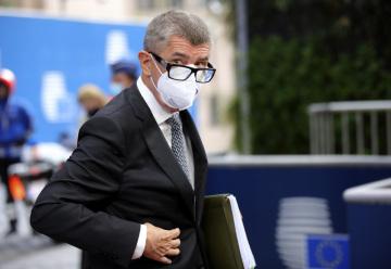 ČEský premiér Andrej  Babiš při příchodu na summit EU v Bruselu 2. října 2020.