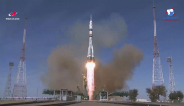 Start nosné rakety Sojuz 2.1a s lodí Sojuz MS-17 s novou posádkou ISS z kosmodromu Bajkonur, 14. října 2020.