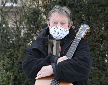 Folkový písničkář Vladimír Merta pózoval 17. ledna 2021 v Praze fotografovi ČTK.