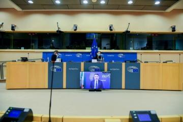 Šéf euroskupiny Paschal Donohoe na zasedání hospodářského a měnového výboru.
